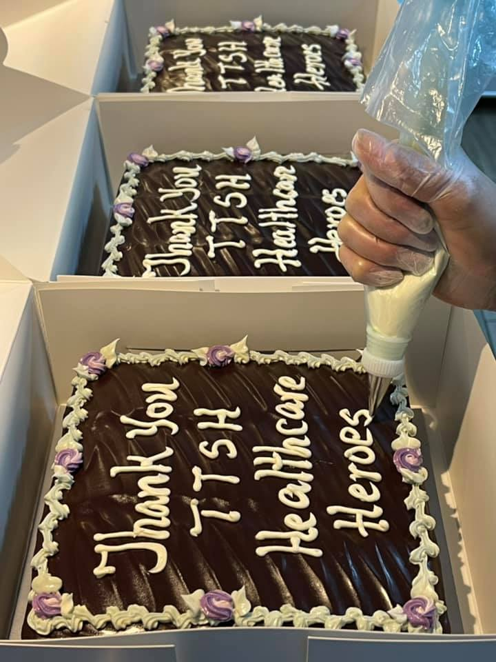 Thank you cakes for healthcare workers